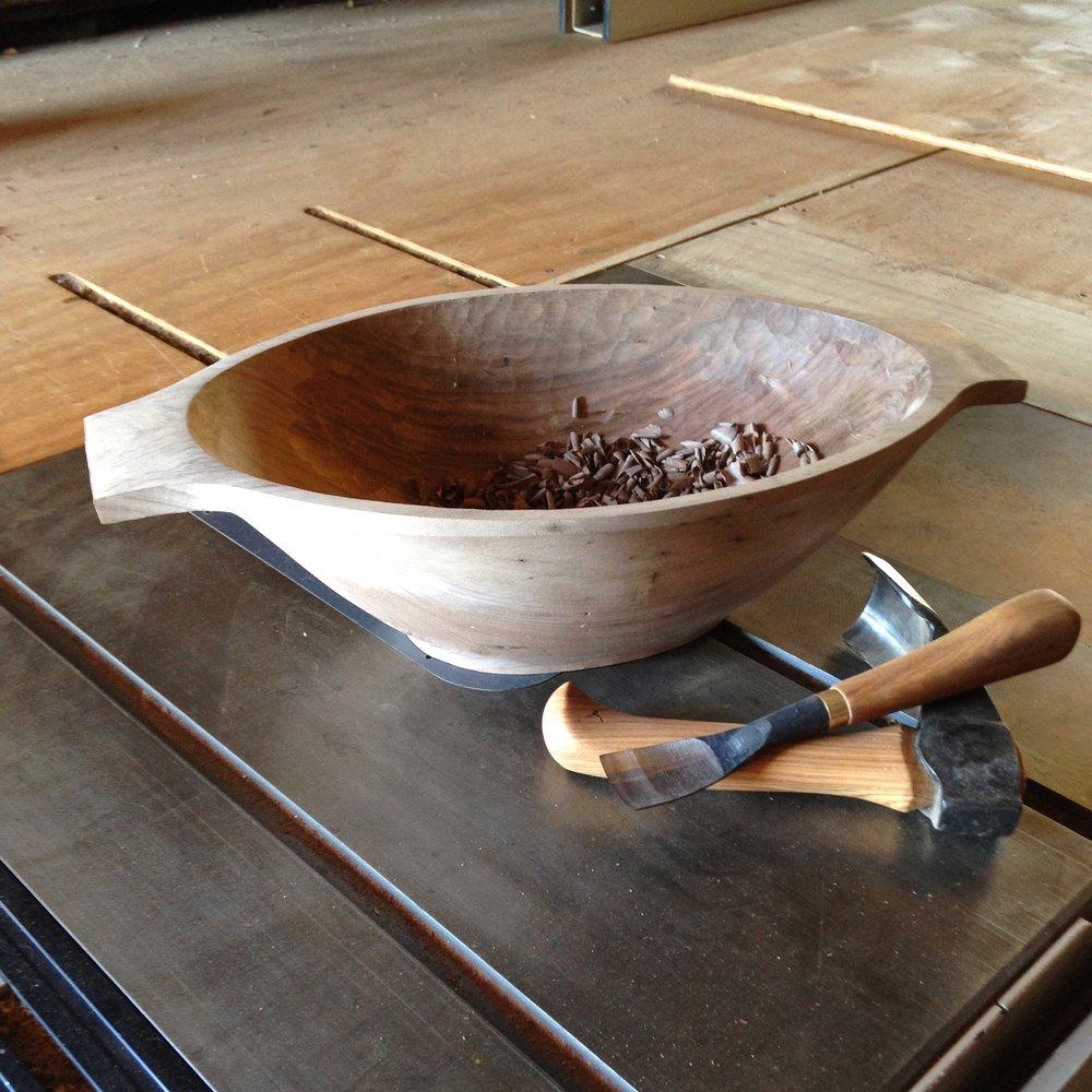 ben-riddering-bowl-carving