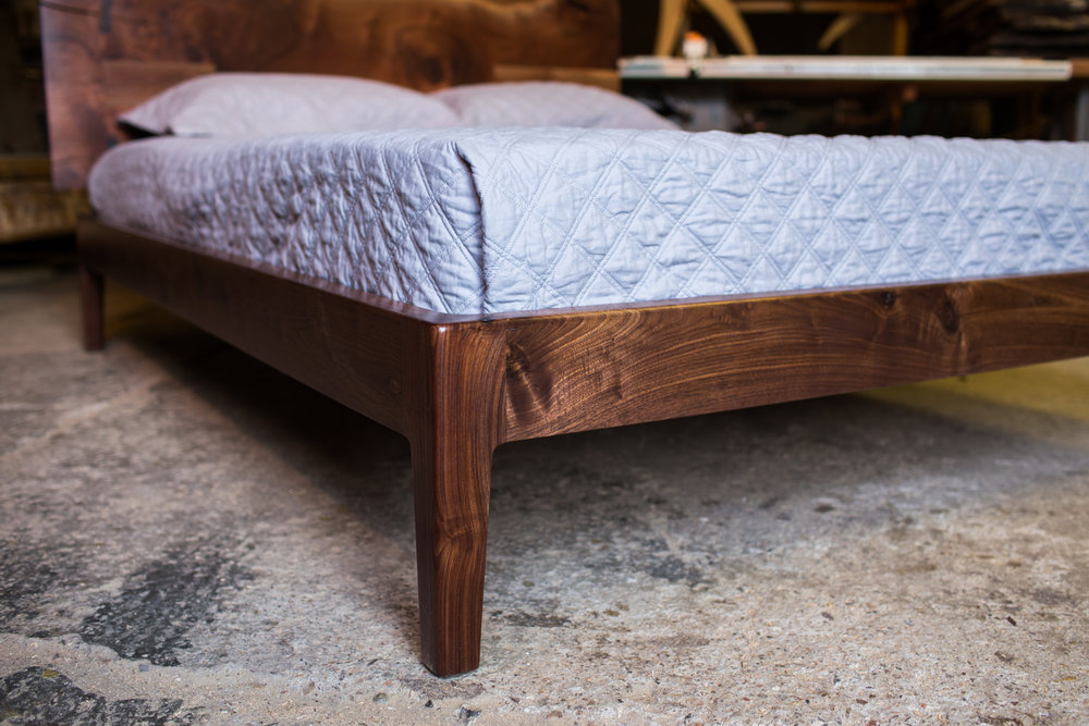 ben-riddering-walnut-Dutchman-bed-leg-detail