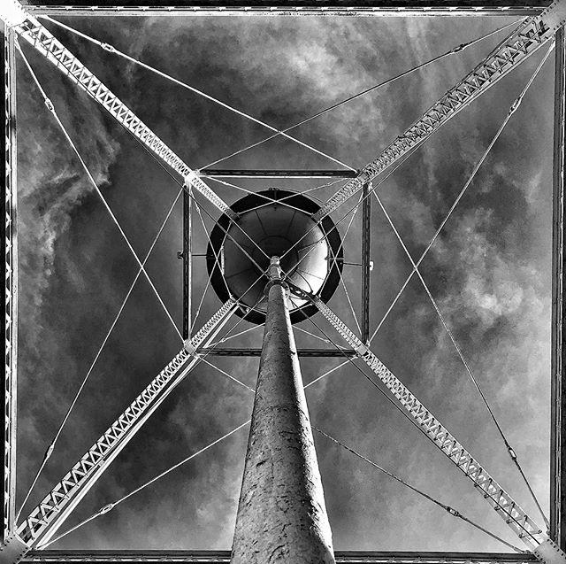 Historic water tank #watertank #old #historic #iphonex #blackandwhite #phonography #minimalism #minimalist #photography #blackandwhitephotography #lookup #geometric #yborcity #ybor #tampa #florida #shades