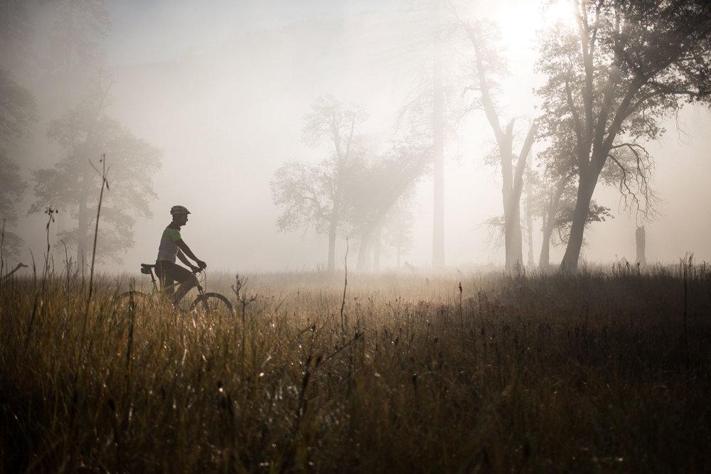 Shoot brumeux à Yosemite, USA. (Decathlon, campagne TV Europe)