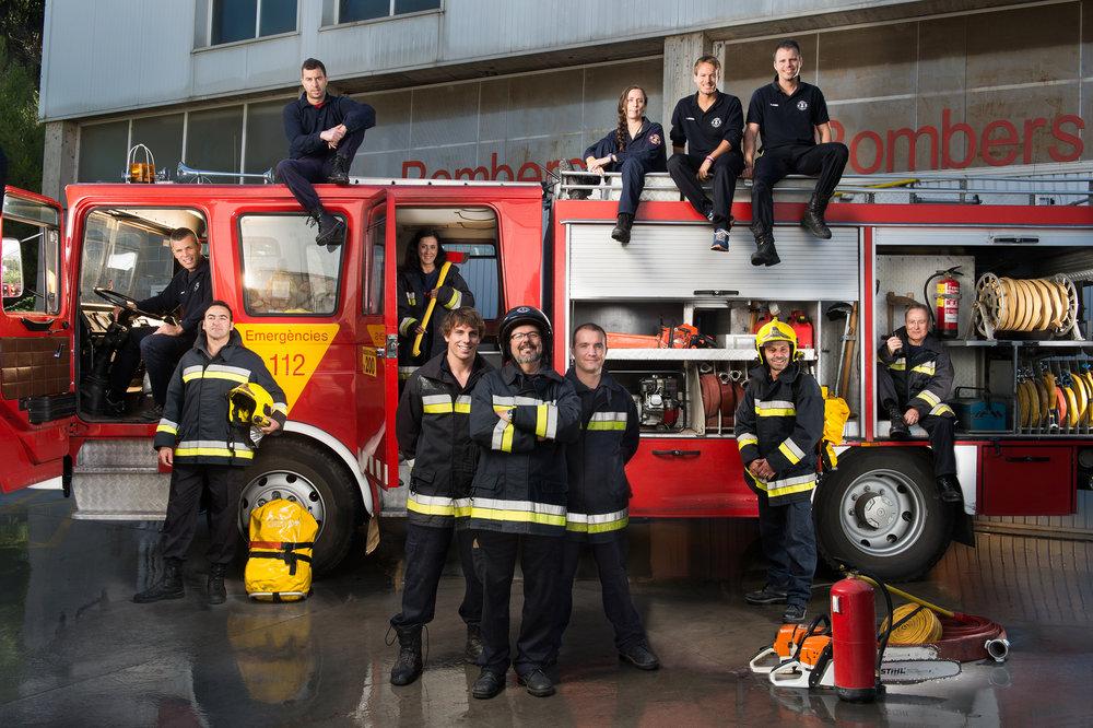 bomberos_corbera_foto_grupo_2012_low.jpg