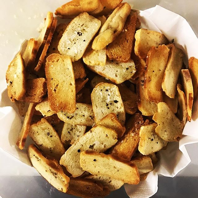 Back to the roots soda bread crisps maldon salt, cracked black pepper and rosemary olive oil, with house pickles and  spreads...... it's the simple things now available in @a.p.o.c.belfast @aetherandecho @soda19801 #cocktail #barsnacks #sodabread #snack #salty #instagood #beer #drinks