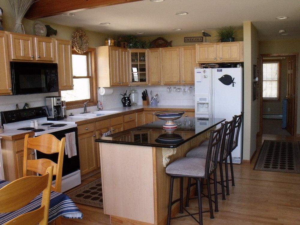 Kitchen (1024x768).jpg