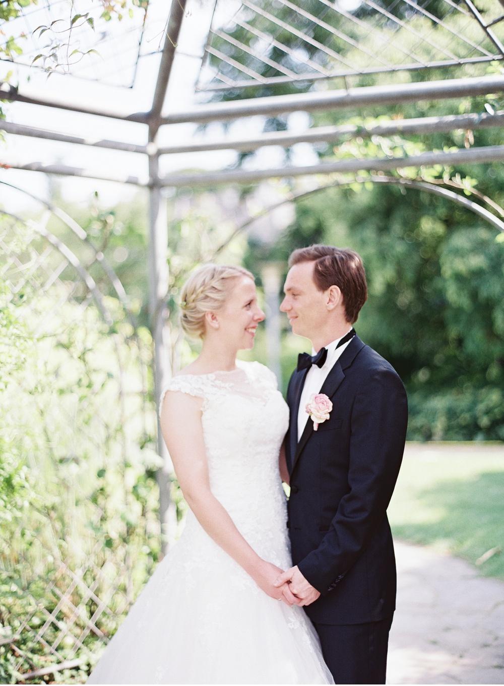 Classy_Norwegian_Wedding_WeddingPhotographer©MadalinaSheldon_0013.jpg