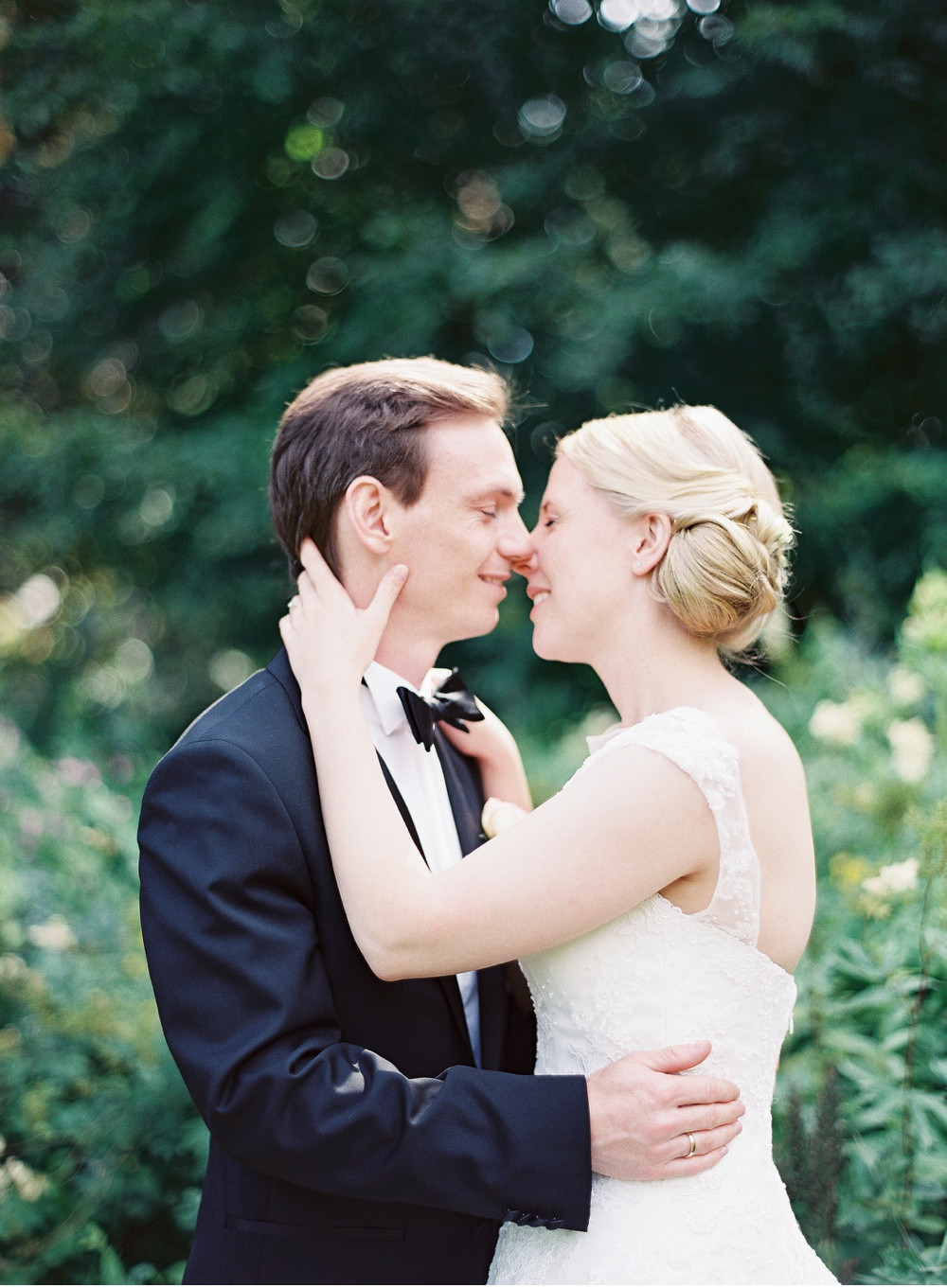 Classy_Norwegian_Wedding_WeddingPhotographer©MadalinaSheldon_0017.jpg