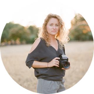 der Photograph - Spezialisiert auf internationale Elopements und intime Hochzeiten, ist mein Versprechen, eure Liebesgeschichte in aussagekräftigen, harmonischen und bedeutungsvollen Fotografien festzuhalten. Mehr darüber