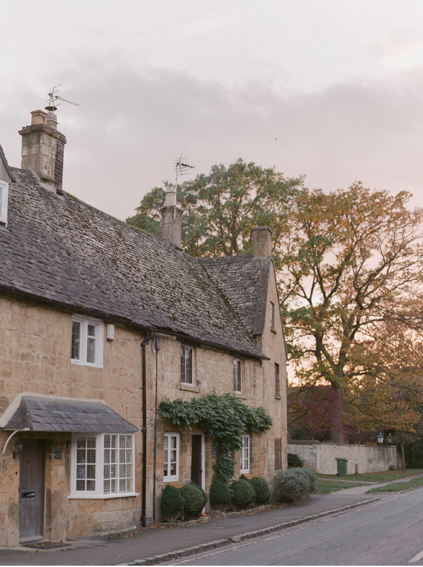 Cotswolds_WeddingPhotographer_UK©MadalinaSheldon_5.jpg
