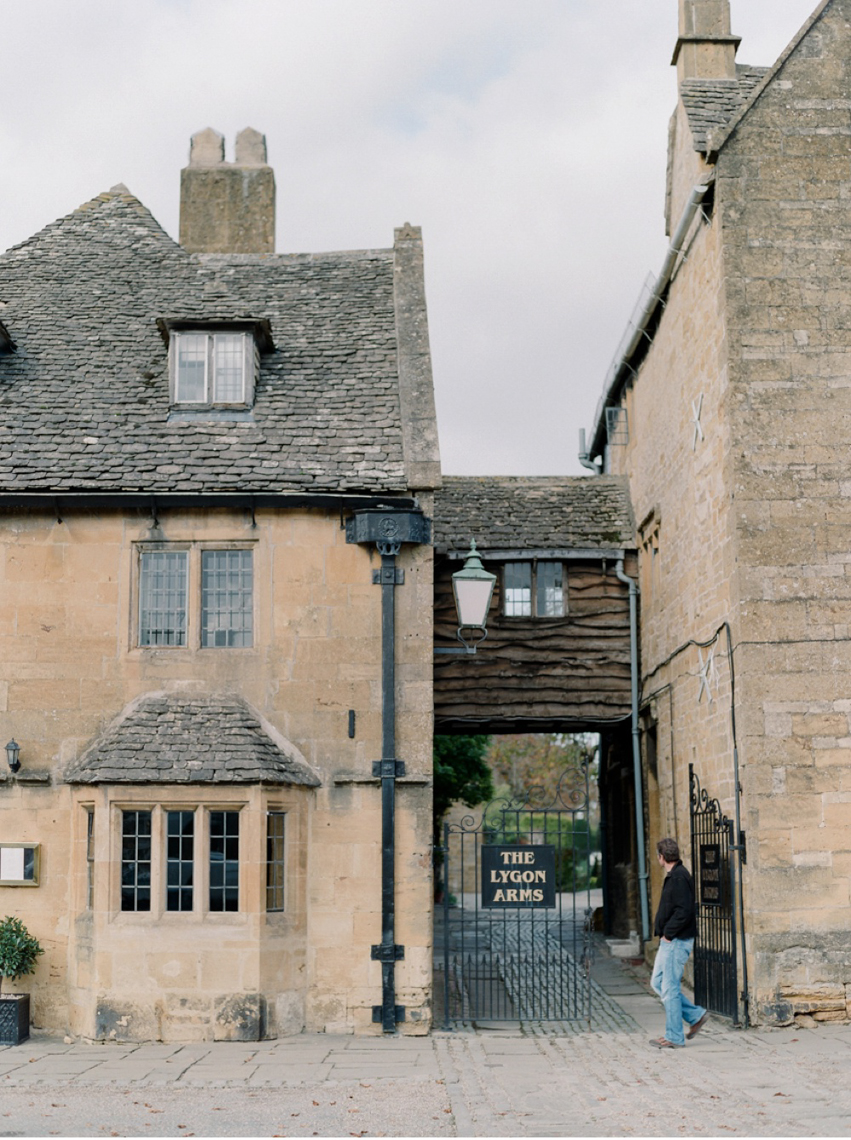 Cotswolds_WeddingPhotographer_UK©MadalinaSheldon_38.jpg