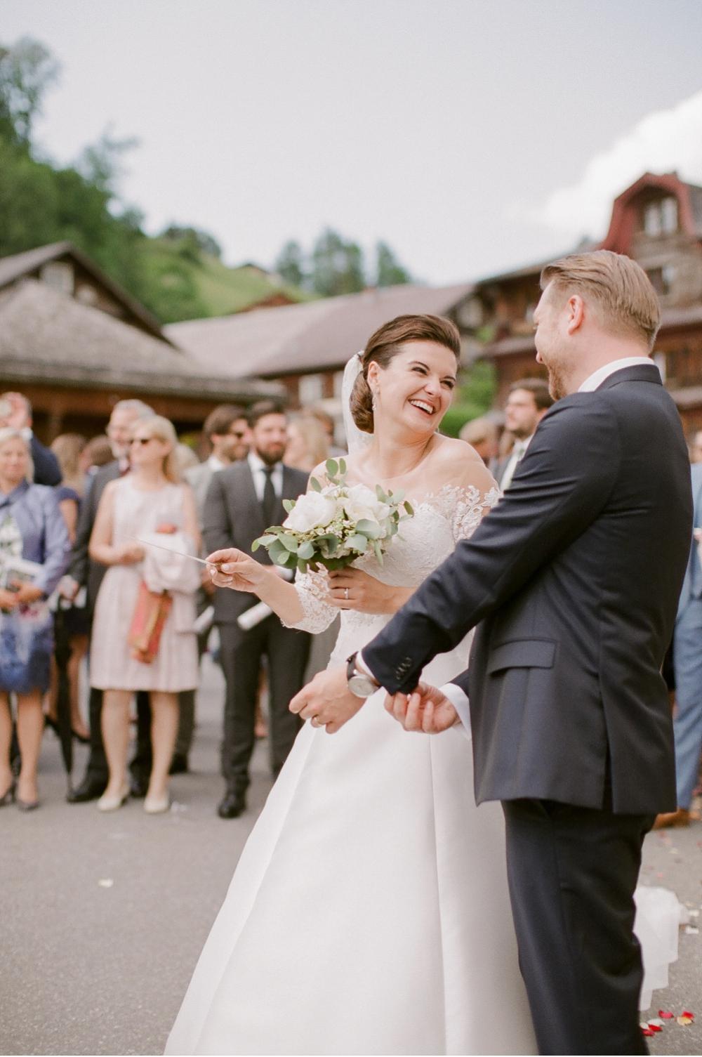 Hochzeitsfotograf_Voralberg_Bregenz_Bodensee©MadalinaSheldon__0039.jpg