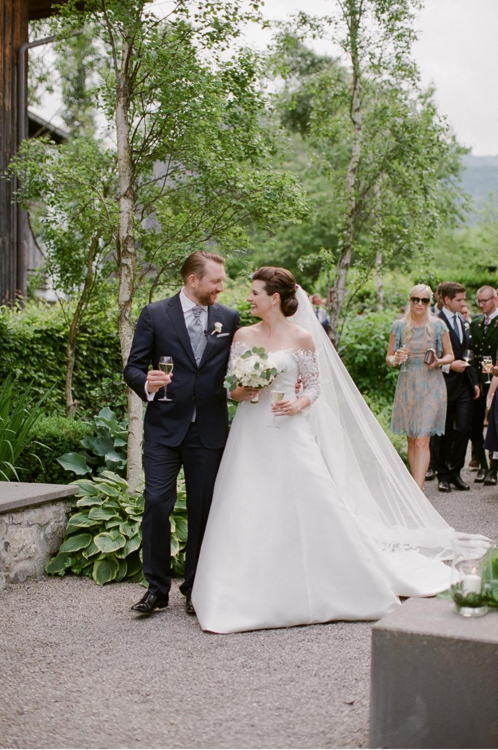 Hochzeitsfotograf_Voralberg_Bregenz_Bodensee©MadalinaSheldon__0041.jpg