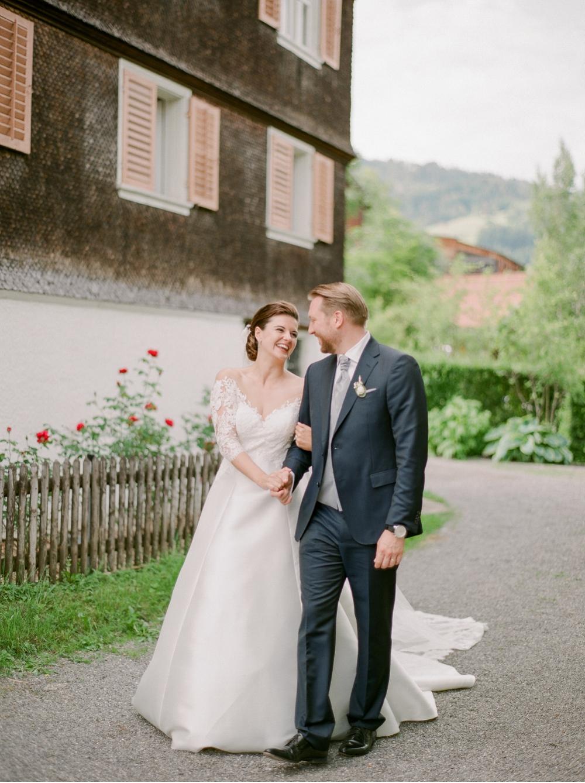 Hochzeitsfotograf_Voralberg_Bregenz_Bodensee©MadalinaSheldon__0050.jpg