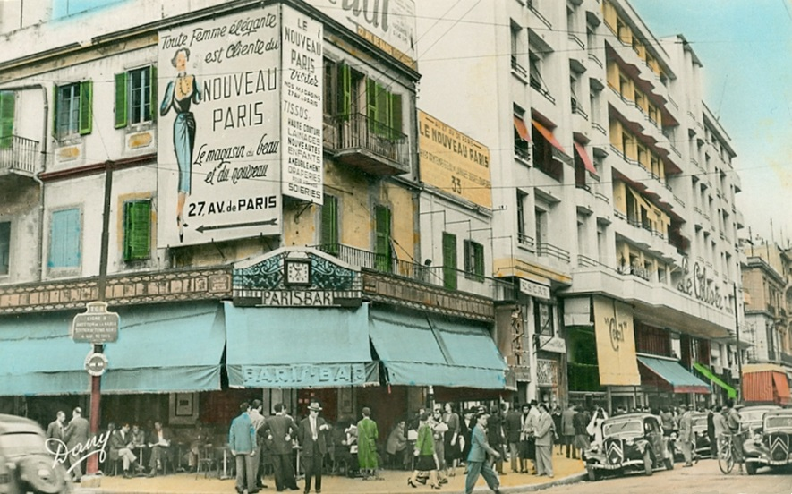 Downtown Tunis c. 1945-1950. France and the French are still in full control of Tunisia, which will gain its independence in Mars 1956. Postcard issued c. 1945-1950. Courtesy Wikicommons.