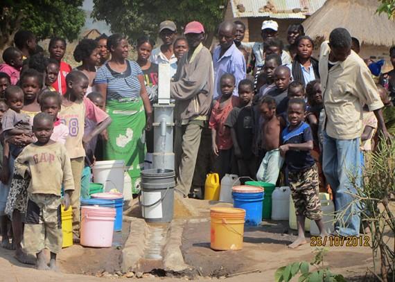 Maunga-Zambia-e1390658114805-570x407.jpg
