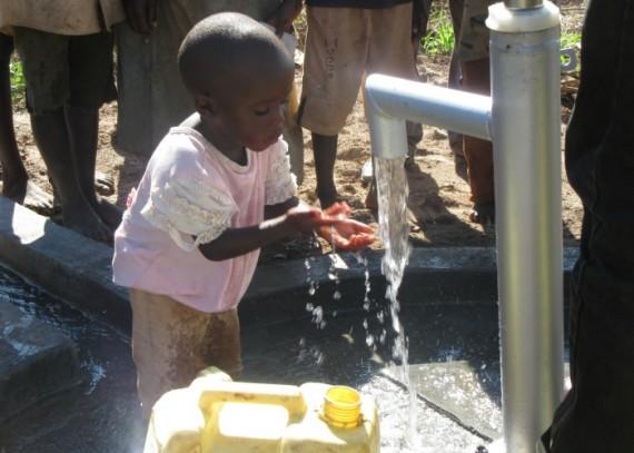 Joshua-aged-4-years-enjoying-clean-water-e1461937864206.jpg