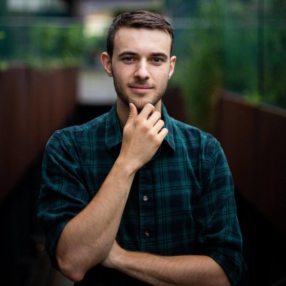 BEN BRADBURY.  Personal Storyteller & Ghostwriter. Podcast Co-Host of Subject Matter.