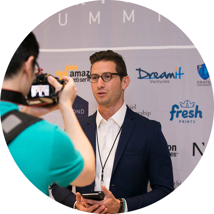 JONATHAN MAXIM  Growth hacking agency owner at K&J Growth. Forbes-Featured tech founder of Vea Fitness. Creator of Absolute Athlete: Fitness based on Meditation.