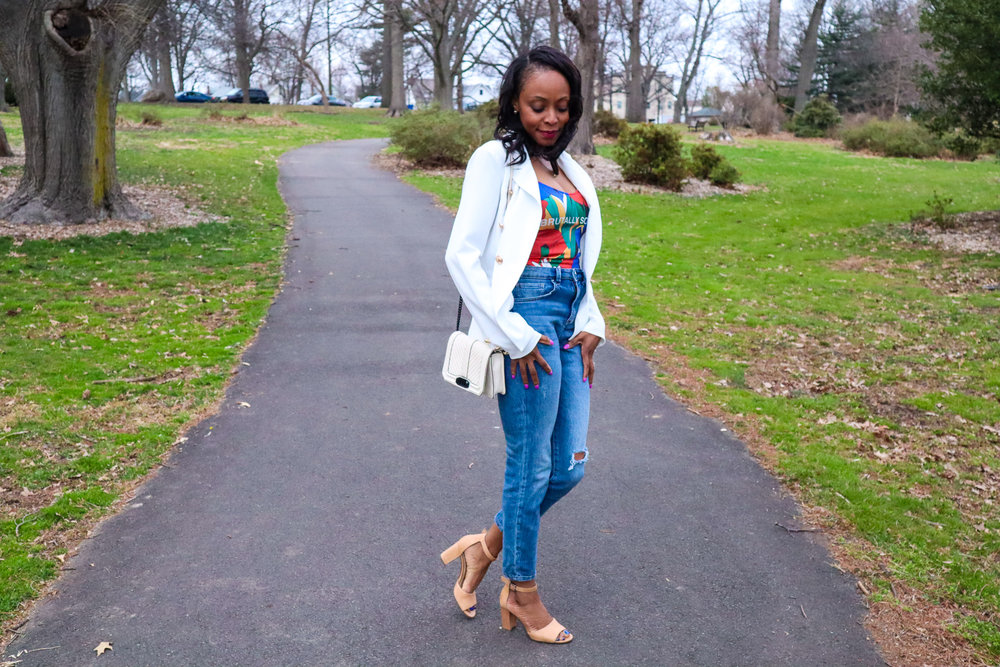 mom jeans spring outfit-2.jpg