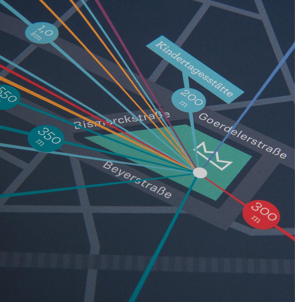 Karten Detail vom Expose des Kronprinzen Quartier von der GS Immobiliengruppe in Aachen. Es zeigt den Häuserblock bei der Goerdelerstraße, Beyerstraße und Bismarckstraße und die Entfernung zu der Umgebung. Gestaltet von den sons of ipanema einem Büro für Grafik Design aus Köln.