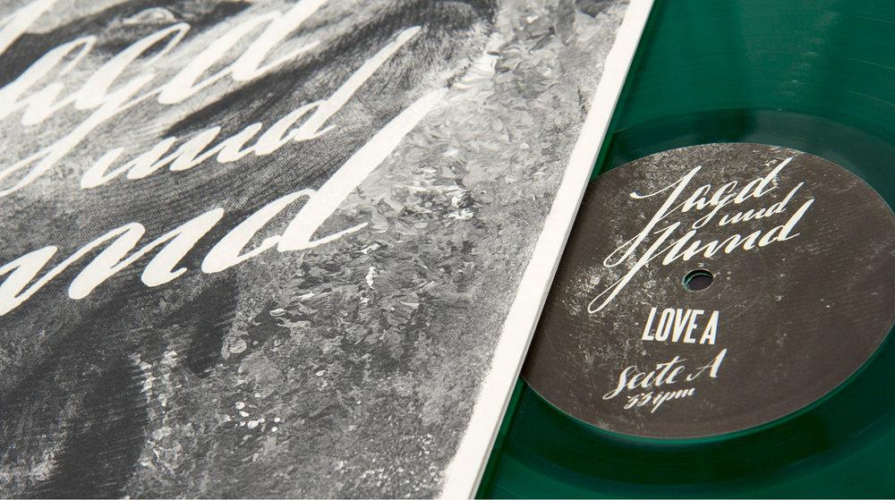 Special Edition des Jagd und Hund Albums von Love A mit grünem Vinyl