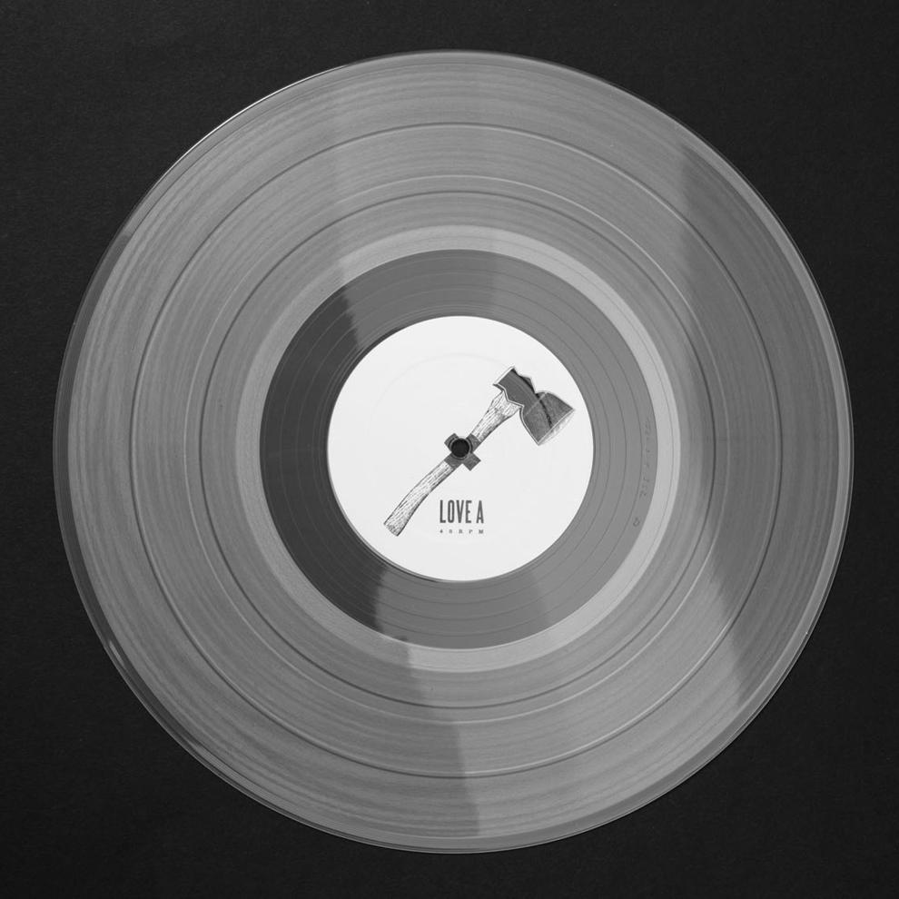 Love A und Koeter haben sich für transparentes Vinyl entschieden.