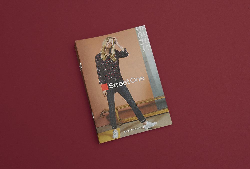 Magazincover des Street One Magazins für die Kundinnen des Labels – Grafikdesign von den sons of ipanema, einer Grafikdesign Agentur aus Köln