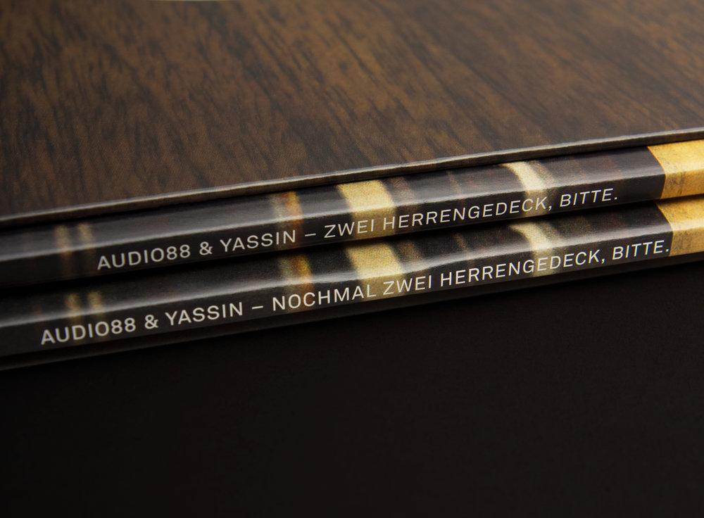 Audio und Yassin, Zwei Herrengedeck, bitte.