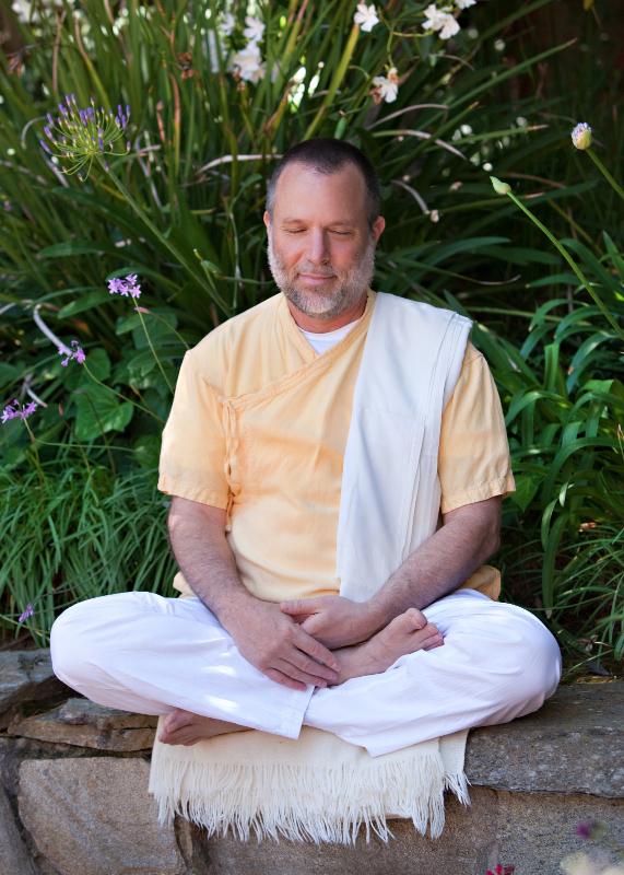 Jagadish Meditating in the  Green14027.jpg