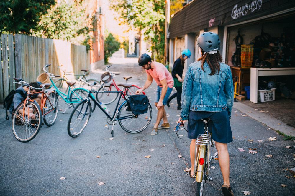 bike tour laneway Plateau Montreal