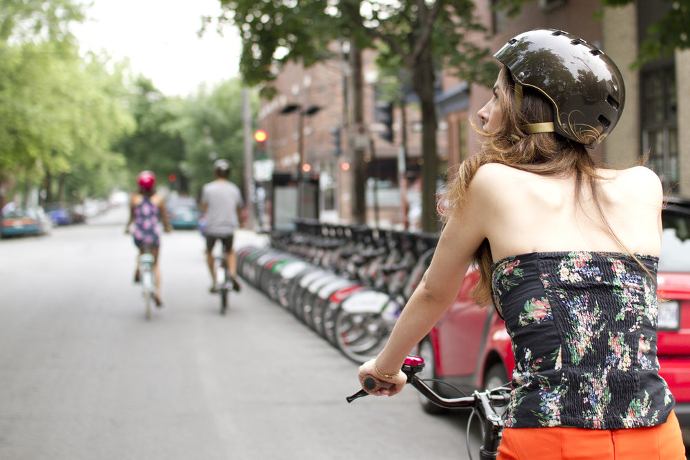 cruising the Plateau by bike Montreal