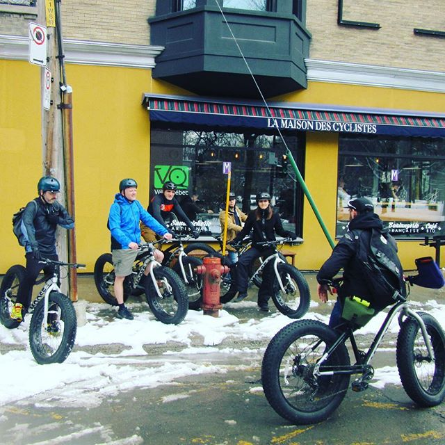 Friday afternoon Fatbike ride in Montreal on a few inches of fresh snow! From our new location at the #maisondescyclistes at #veloquebec #fatbike #fatbikes #fatbikefriday #biketour #bikeride #montroyal #wedlovetoshowyouaround