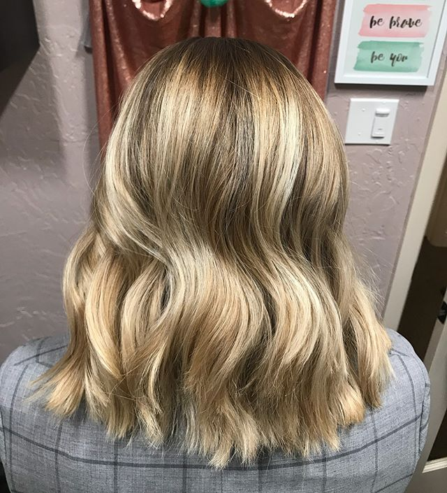 Seamless Balayage blend and 2 inches gone for @kelcicabana . On our way to summer blonde! Swipe left for her before. #blondebalayage #balayage #moneypiece #ontrend #blondedimension #easymaintenance #hairbrained #behindthechair #texashairstylist #redkenshadeseq