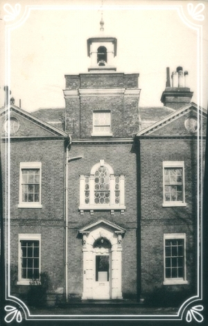 Front facade 1880-1910.jpg