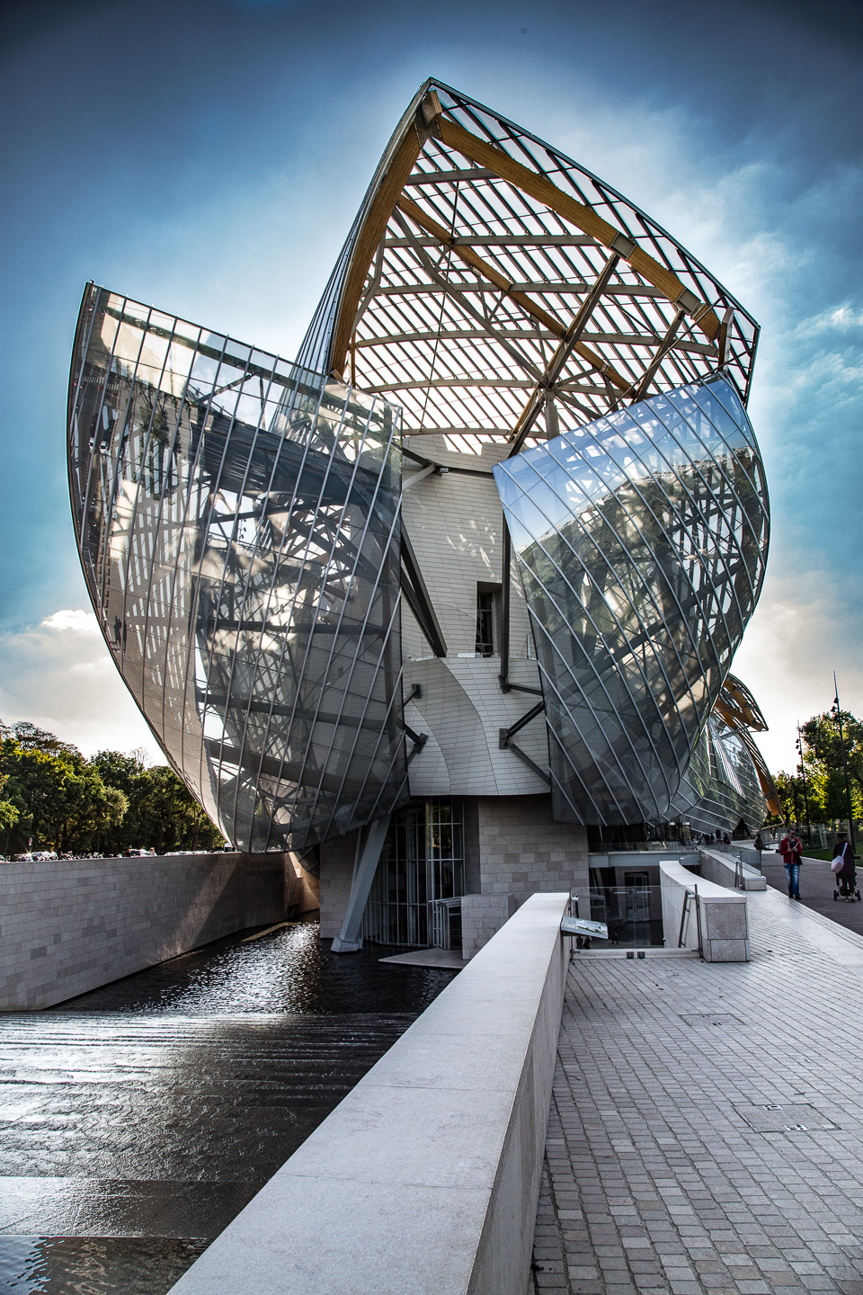 Exterior of Foundation Louis Vuitton, Paris. Designed by Frank Gehry.