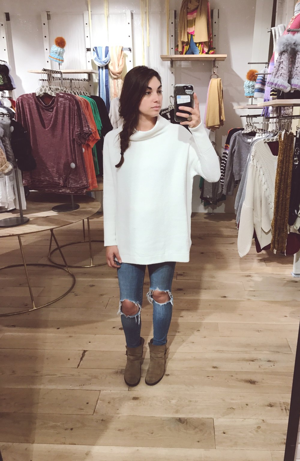 Gorgeous Chelsea in the super cute & comfy Ottoman Slouchy Tunic $148 comes in 7 colors