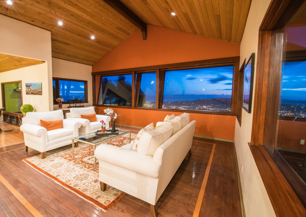 real-estate-phography-livingroom-view.jpg