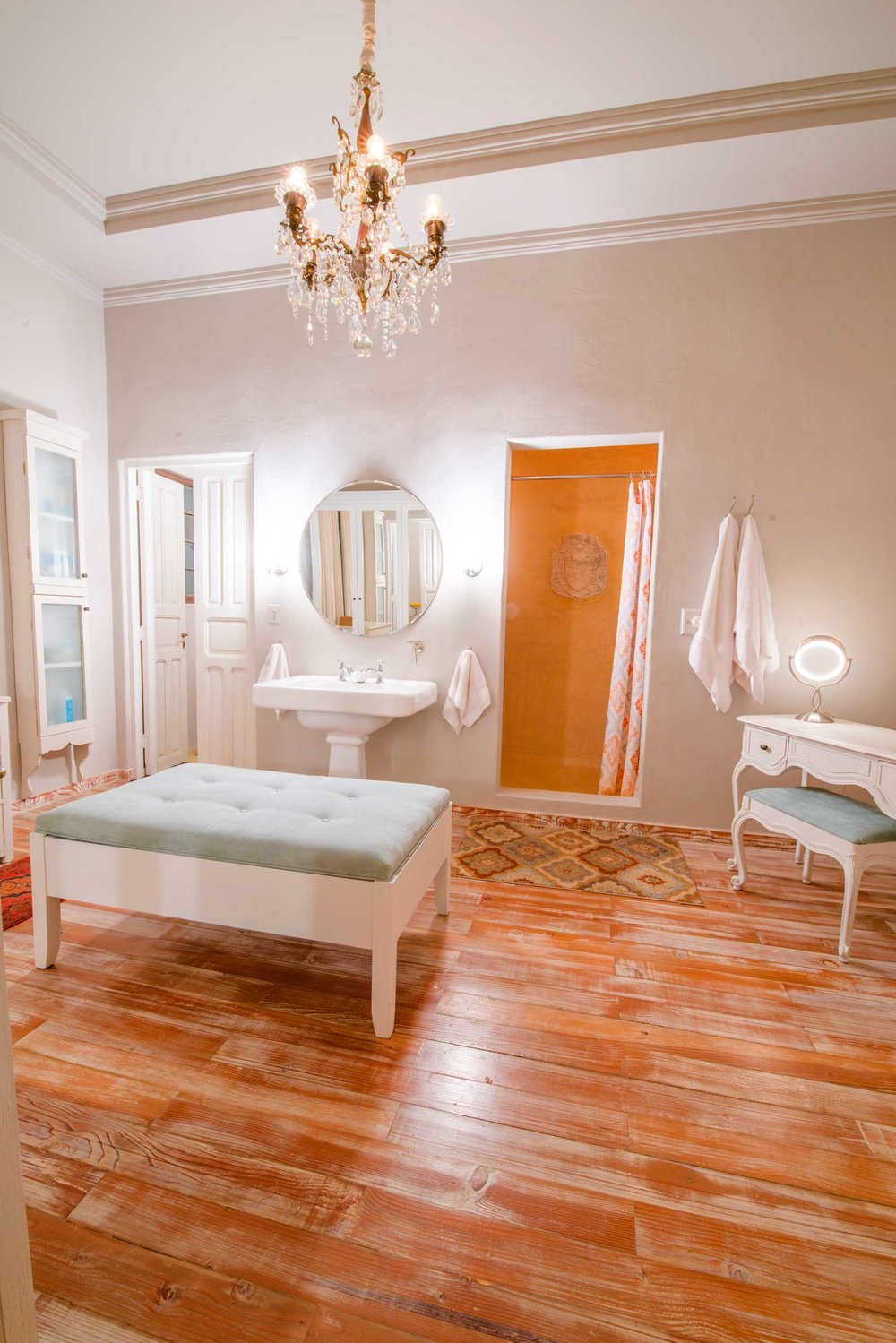 real-estate-phography-mexico-pastel-bathroom.jpg