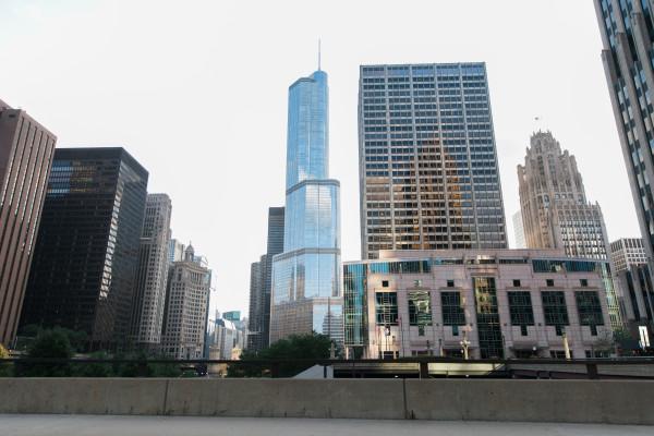 Chicago Skyline Goodbye Story - Annika & Ray | Alicia Sturdy, Hither & Hold | www.aliciasturdy.com