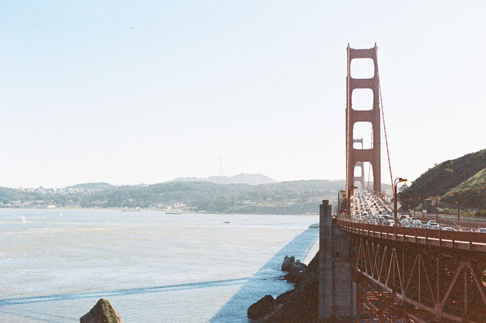Alicia-Sturdy-Golden-Gate-Bridge-Biz_besties-3.jpg