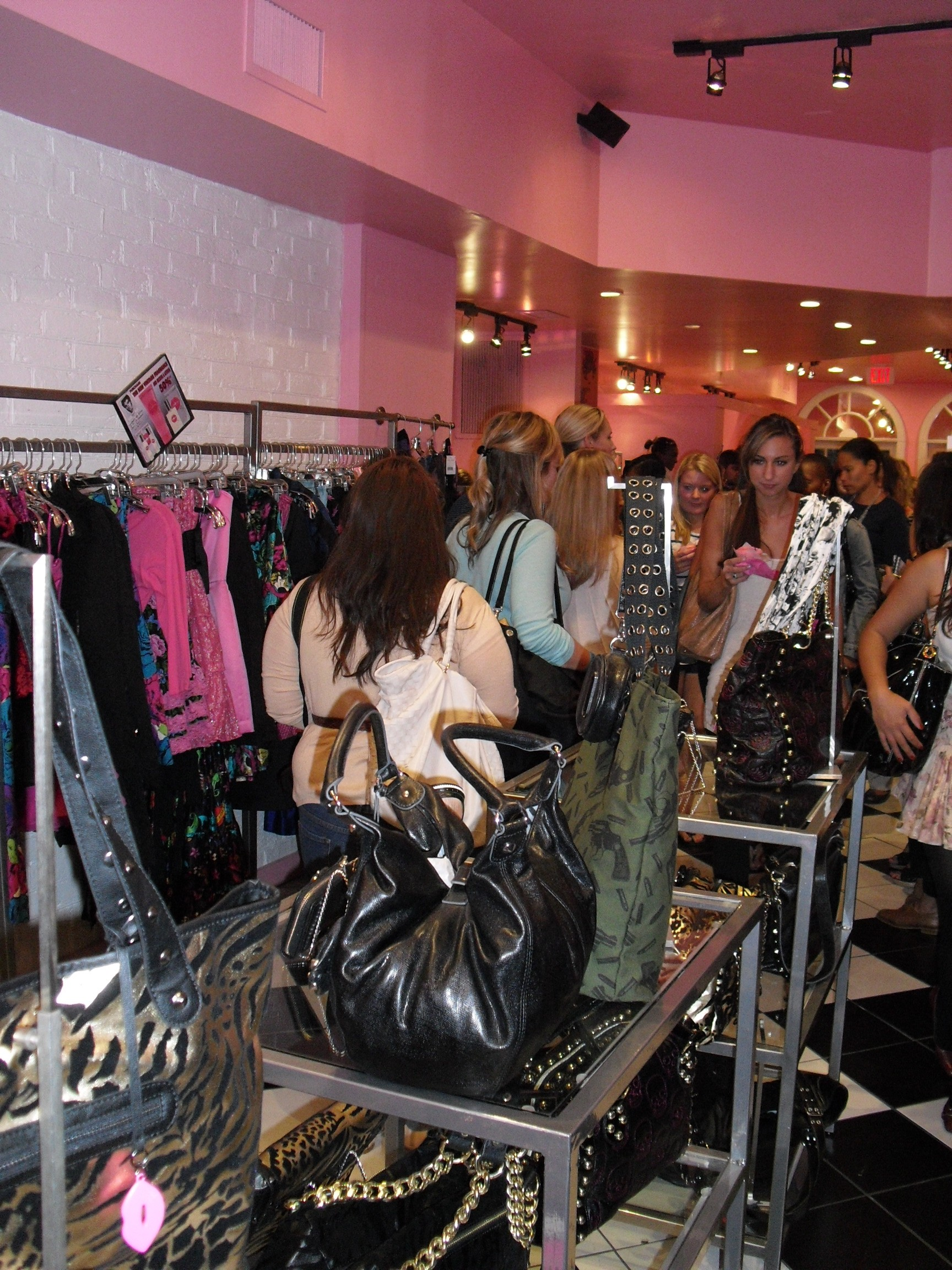 Crowd at Betsey Johnson, Georgetown