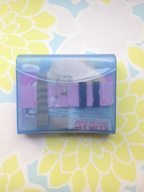 DIY: Mini Fashion Emergency Kit