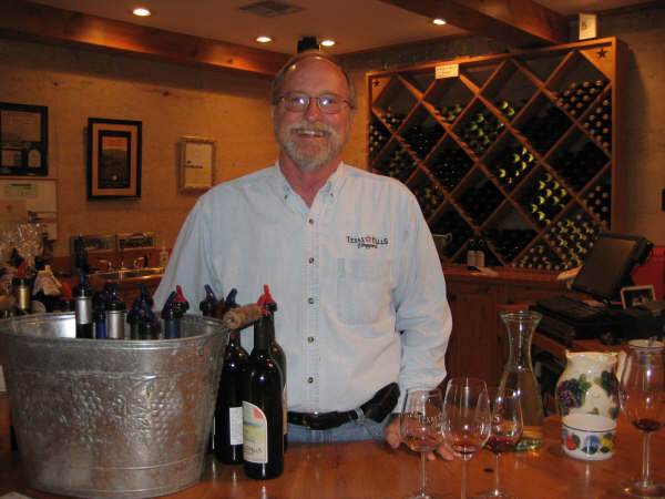 texas_hills_vineyard_--_tasting_room_with_gary.jpg
