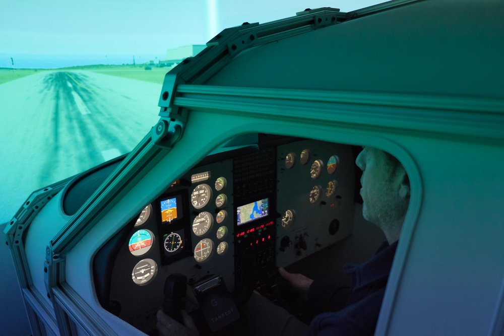 Beyond Glass - ‣ Glass cockpit Garmin emulation avionics provide modern options for modern training.‣ Custom digital avionics emulation provides for an infinite combination of glass and analog instrumentation.‣ LCD displays deliver sharp, high resolution instruments and avionics.