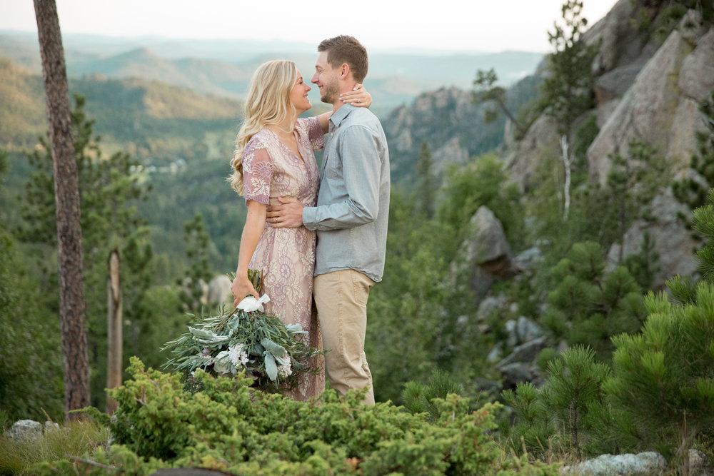 clifftop elopement in Black Hills