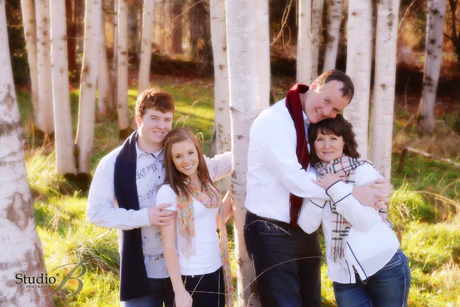 outdoor holiday family portrait at studio b in issaquah