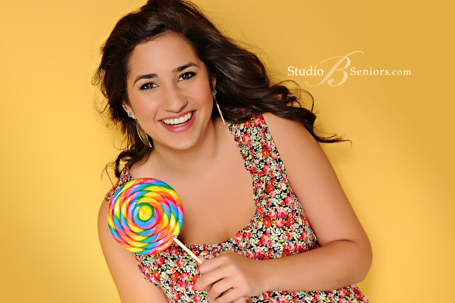 Senior-pictures-in-Seattle-of-beautiful-Iraqi-teen-girl-from-Issaquah-High-School