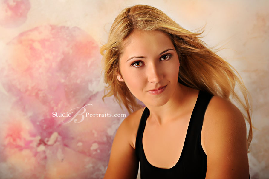 Beautiful-senior-pictures-of-pretty-blonde-at-Studio-B-in-Issaquah-near-Seattle