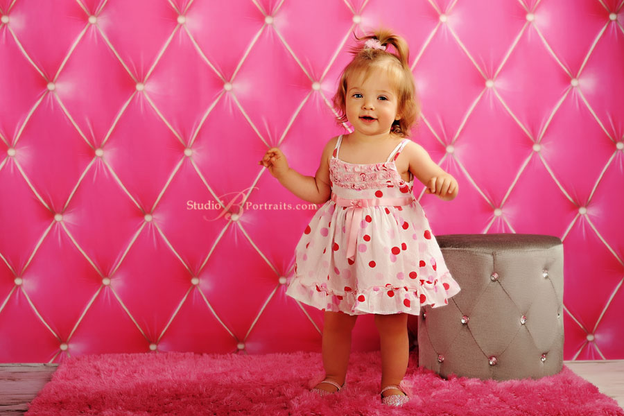 Baby-portrait-of-little-girl-celebrating-1-year-at-Studio-B-in-Issaquah