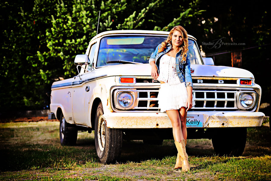Gorgeous-senior-pictures-of-Forest-Ridge-2012-Senior-girl-with-old-Ford-truck-and-cowboy-boots