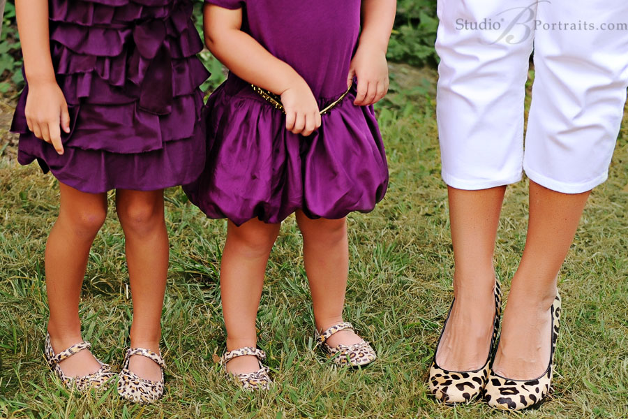 Leopard-shoes-on-Mom-and-little-girls-during-family-portrait-session-in-Issaquah