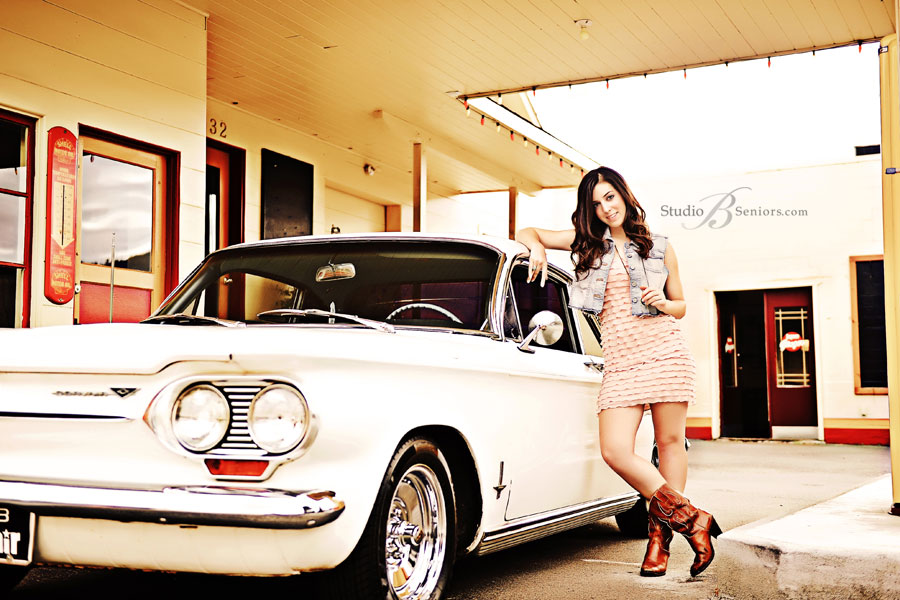 Pretty-girl-with-Corvare-car-in-Issaquah-for-Senior-Pictures-at-Studio-B